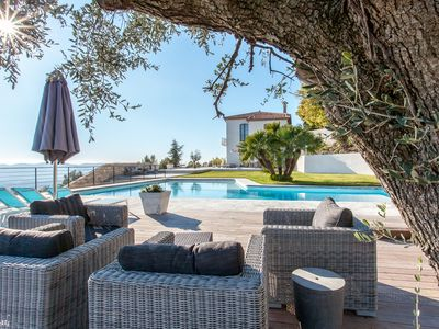 Luxury accommodation, 400 square meters, close to the beach