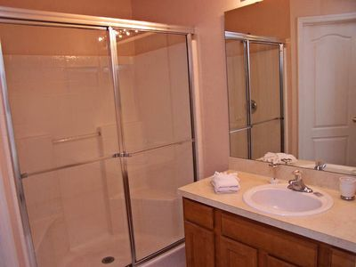 Sandy Ridge house rental - Master bathroom.