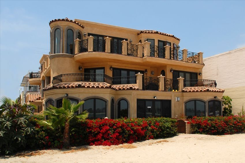 Beach Front Bay Architectural Masterpiece Vrbo