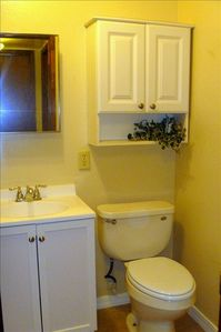 Convenient full bath on bottom floor, directly across from downstairs bedroom