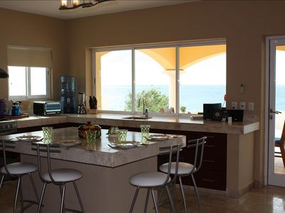 Casual kitchen dining with ocean view