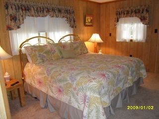 Bethany Beach house photo - 3rd Bedroom with twin beds set up as a king bed. Twins can be separated.