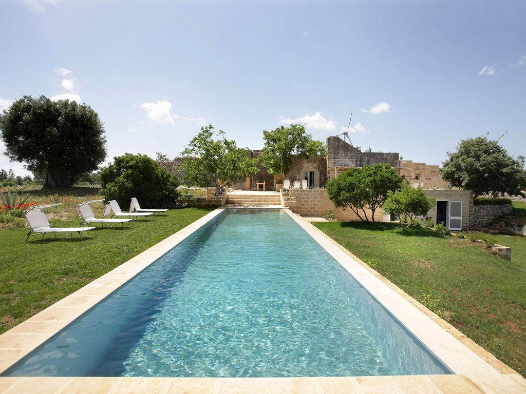 Masseria con piscina salento affitto villa martano for Casa in affitto per suocera
