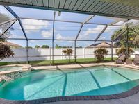 Central and spacious Vacation Home with heated Pool and Spa, Western Exposure