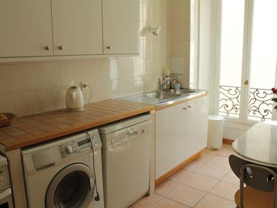 Fully Equipped kitchen inc dishwasher/wmachine