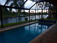 Capri Villa/Gulf Access Home W Dock/Solar Salt Water Pool/Wide Canal