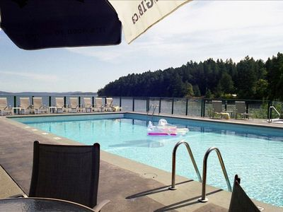 Nanaimo condo rental - Sitting poolside on another exquisite day