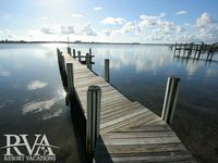 Bay Estate and Guest House: 3 BR + Den \ 4.5 BA House on Siesta Key by RVA, Sleeps 8