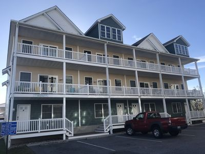 BEAUTIFUL TOWNHOME, 4BR, SPACIOUS AND 2 BLOCKS FROM BEACH/BOARDWALK.  BOOK NOW!!