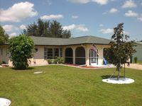 Charming Floridian Vacation Home, Centrally but Quiet located!!!!