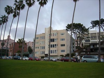 La Jolla condo rental - Front of Building
