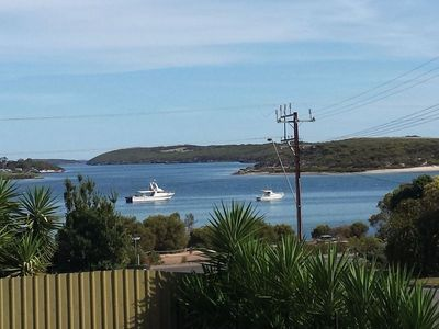 """""""Howsthaserenitee"""" in Coffin Bay"""
