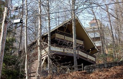 Bear Paws is a charming mountain chalet just minutes from downtown Gatlinburg!