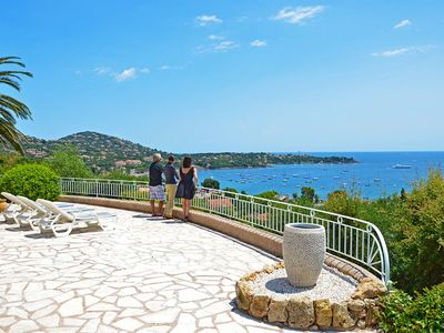 Exceptional views of the Bay of Agay at the foot of the Massif de l'Esterel