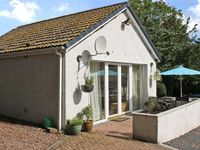 THE ANNEXE, pet friendly, with a garden in Jedburgh, Ref 6975