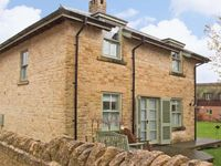 BADGERS LODGE, pet friendly in Cotswold Water Park, Ref 12604