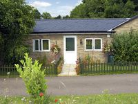 LITTLE LODGE 2, country holiday cottage in Bylaugh, Ref 3580