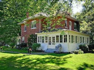 Historic waterfont home on Lake Simcoe