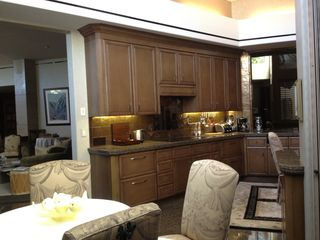 Indian Wells estate photo - Well stocked kitchen is just off the grand living room and dining