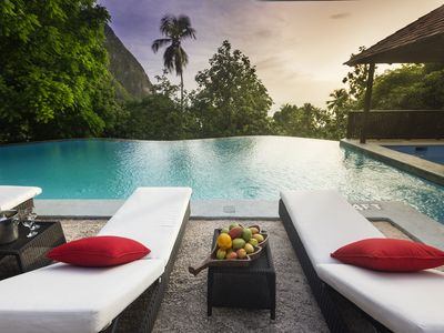 5! Bedroom Villa with spectacular Views and Massive Pool - Sugar Beach Road