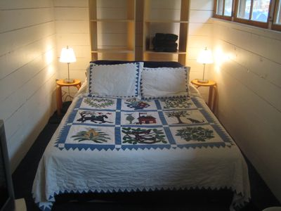 3nd bed room with queen bed and twin.