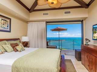 Maalaea condo photo - 1st Master bedroom on ocean that opens to lanai