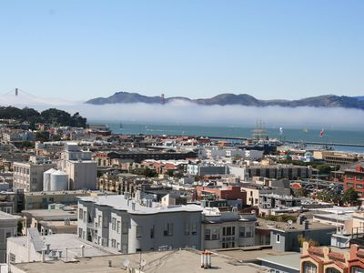 San Francisco condo rental - Unobstructed (except for fog) Golden Gate + San Francisco Bay VIEWS !!