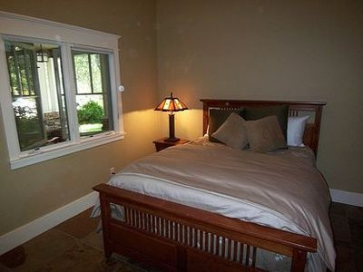 Fourth bedroom w/ new queen bed & full bath just across private hallway
