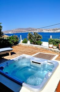 An ideal retreat for couples and families, with stunning views of Mykonos town!