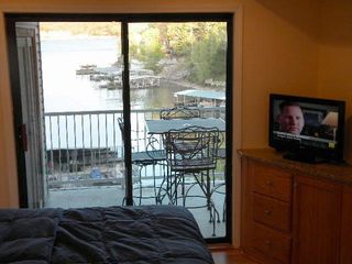 Osage Beach villa photo - lay in bed/ watch birds fly by as u listen to the sound s of the wind/lake