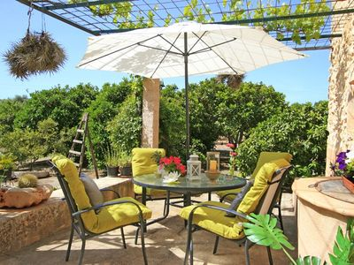 Romantic little Finca, new and modern furnishings, large terrace, quiet