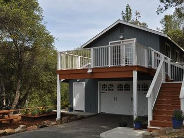 Oakhurst cottage rental - Stunning mountain views from this upscale, upstairs, open and spacious cottage.