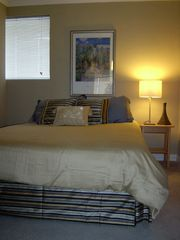 Pacific Beach condo photo - 2nd Bedroom with Queen Bed