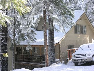 Pinecrest cabin photo - Strawberry cabin - winter