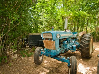 Redding house rental - Farmer Scott's Tractor
