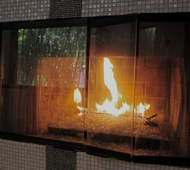 Hollywood house photo - Gas fireplace