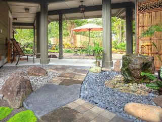 Hilo bungalow photo - Hand-carved stone tsukubai water basin with bamboo fountain