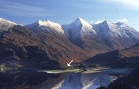 Lovely, large, warm cottage surrounded by the Kintail mountains, sleeps 12