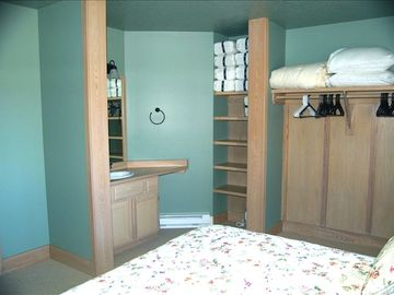 bedroom # 2 sleeps 3, with full bath, 1 queen bed and 1 twin bed