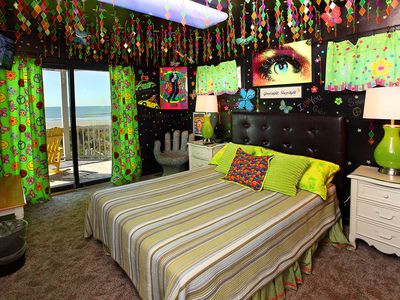 Hippie Heaven is a retro heaven and is furnished with a queen bed.
