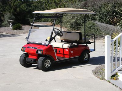 This 2 seat Golf Cart is available for our rental guests for cruising DeBordieu.