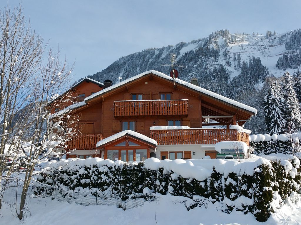 Chalet S R Nit Mountain Ski Chalet Views Over Lake Geneva  # Un Muble De Tele En Lake