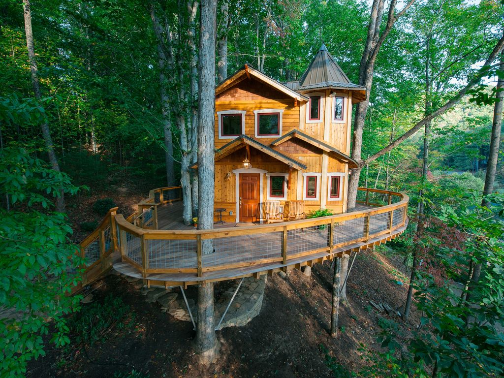 Treehouse Dream With Adult Comforts Vrbo