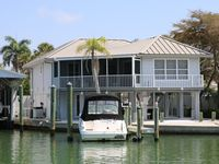 Charming Bayfront Home, Close To Beach And Downtown