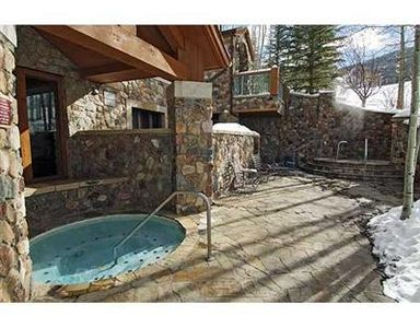 McCoy Peak hot tub