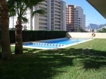 Apartment Swimming Pool & Gardens