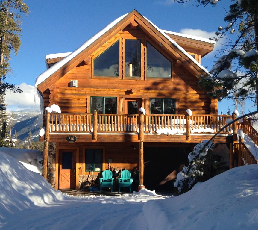 Modern log cabin minutes from rocky mountain vrbo for Modern log home