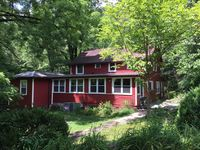 Farmhouse Rentals In Gatlinburg, TN