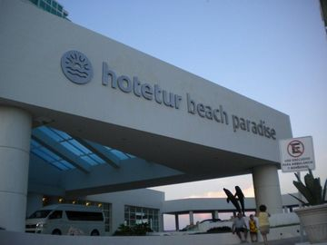 Entrance to Bellevue/Hotetur Beach Paradise. Beautiful ocean & lagoon views!