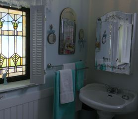 Seven Springs cottage photo - Beautiful Bathroom